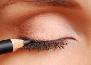 9 Mistakes Youre Making With Eyeliner recommend