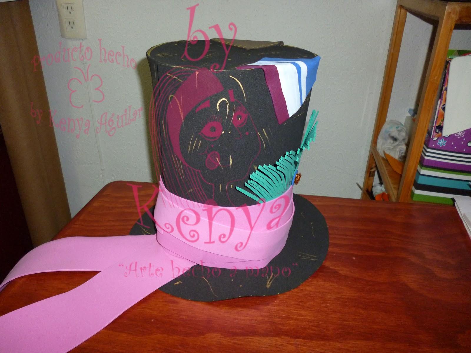 by Kenya: sombrero del Sombrerero Loco de fomi!!!!