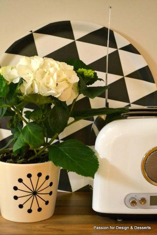 Radio-leivänpaahdin, kukka ja Plattan-tarjotin