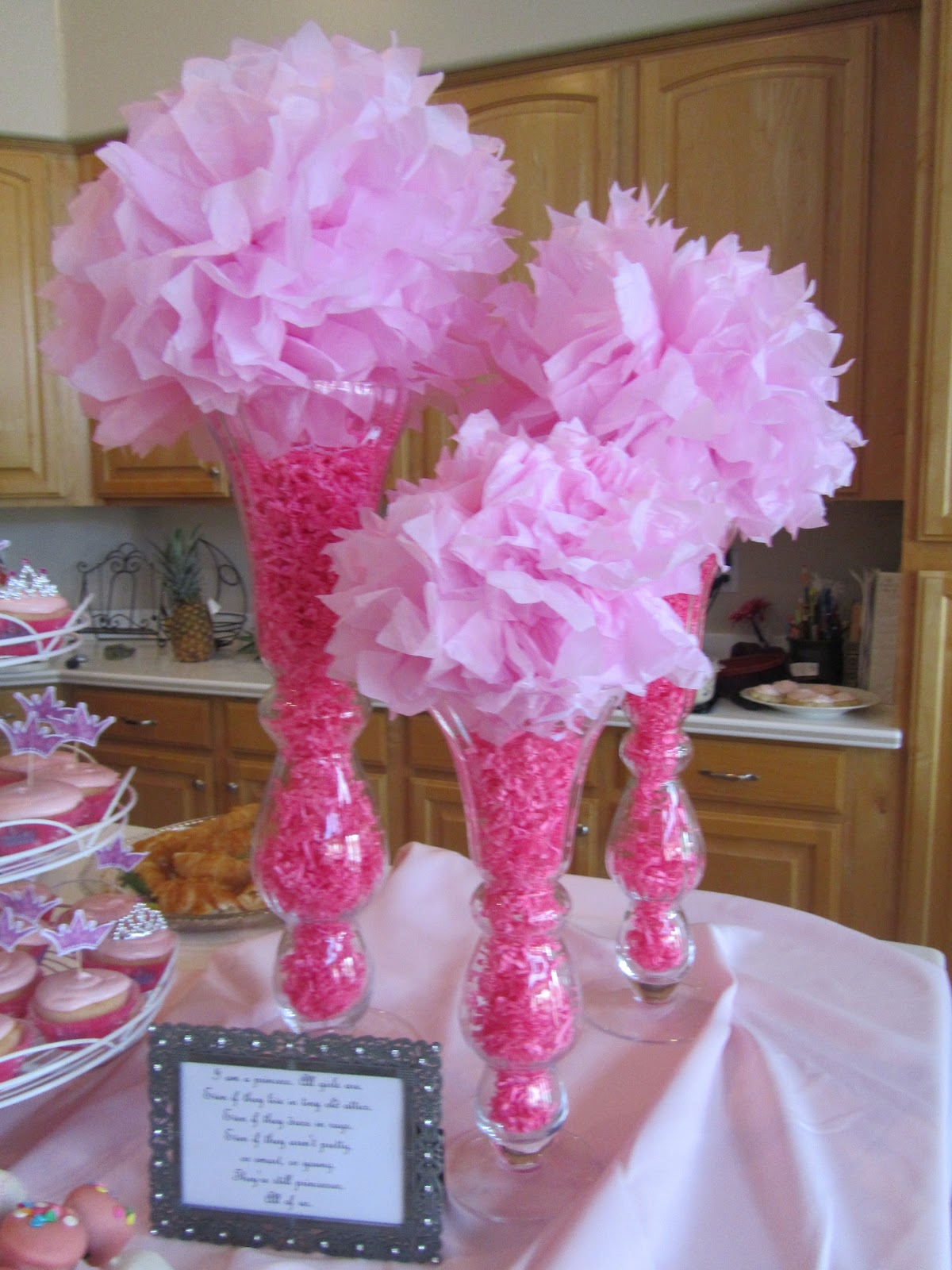 Pink Centerpieces For Baby Shower : Princess baby shower party favors ideas
