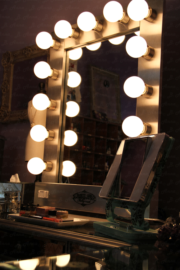 Vanity Mirror With Lights Dressing Room : The Experience of Joy: Broadway lighted mirror on Hayworth Vanity