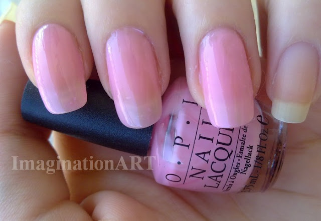 opi_pink_i_think_in _pink_smalti_nail_laquer_polish_mini_boccette_size_swatch