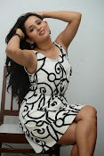 Ishika singh sizzling pics-thumbnail-16