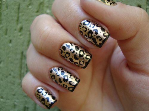For A Unique Style On Your Nails Consider These Cheetah Print After Lying Base Coat You Should Simply Ly Gold Yellow Nail Polish As