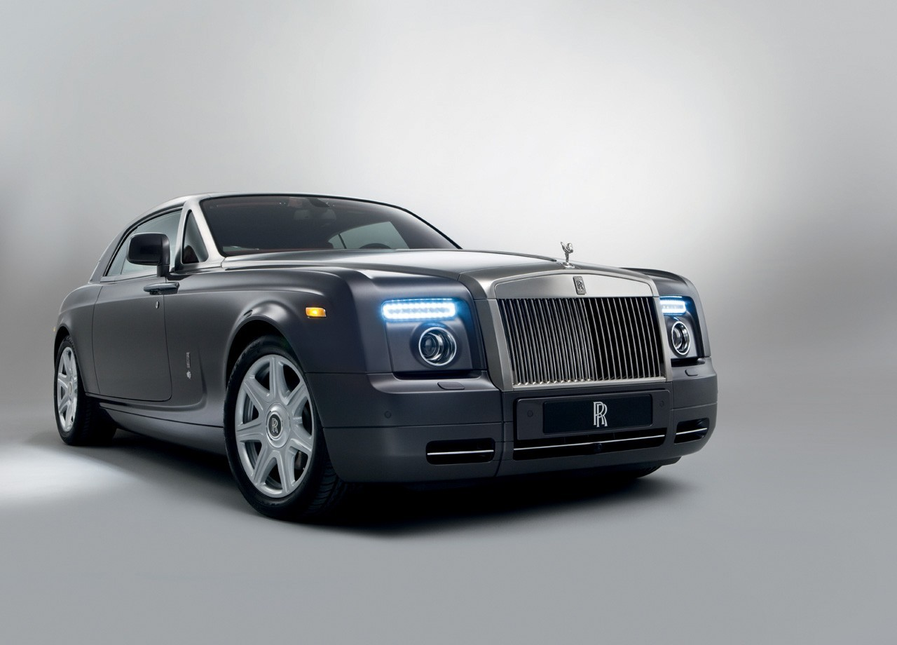 Sports cars news rolls royce phantom for Rolls royce motor cars