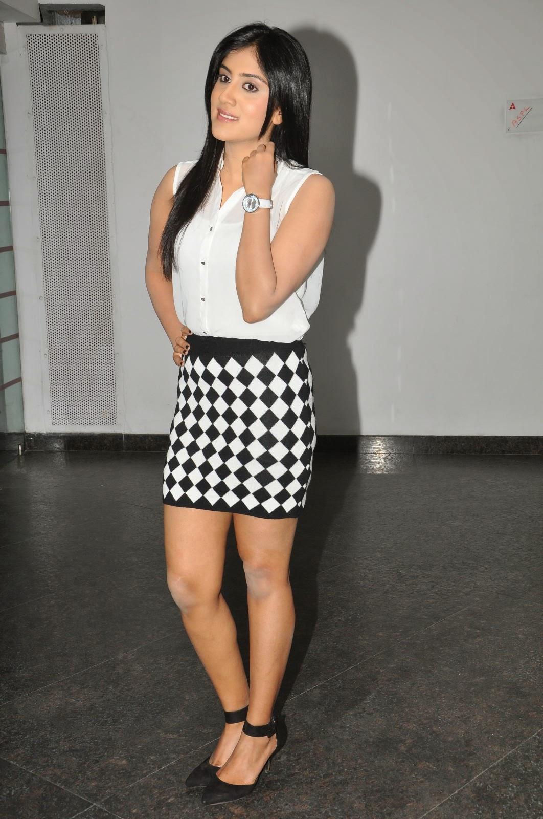 Dhanya Balakrishna Latest Glamorous Photos-HQ-Photo-19