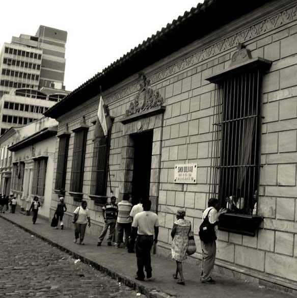 finalidad de la sociedad bolivariana: