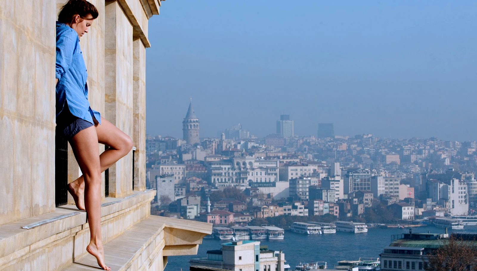 http://2.bp.blogspot.com/-F5UxR2tkBo4/UGymh2sbEtI/AAAAAAAACtY/w8lz7urapQ8/s1600/Taken+2-Maggie+Grace-Kim+In+Istanbul.jpg