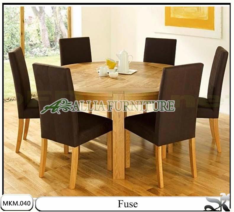 Meja makan minimalis model fuse
