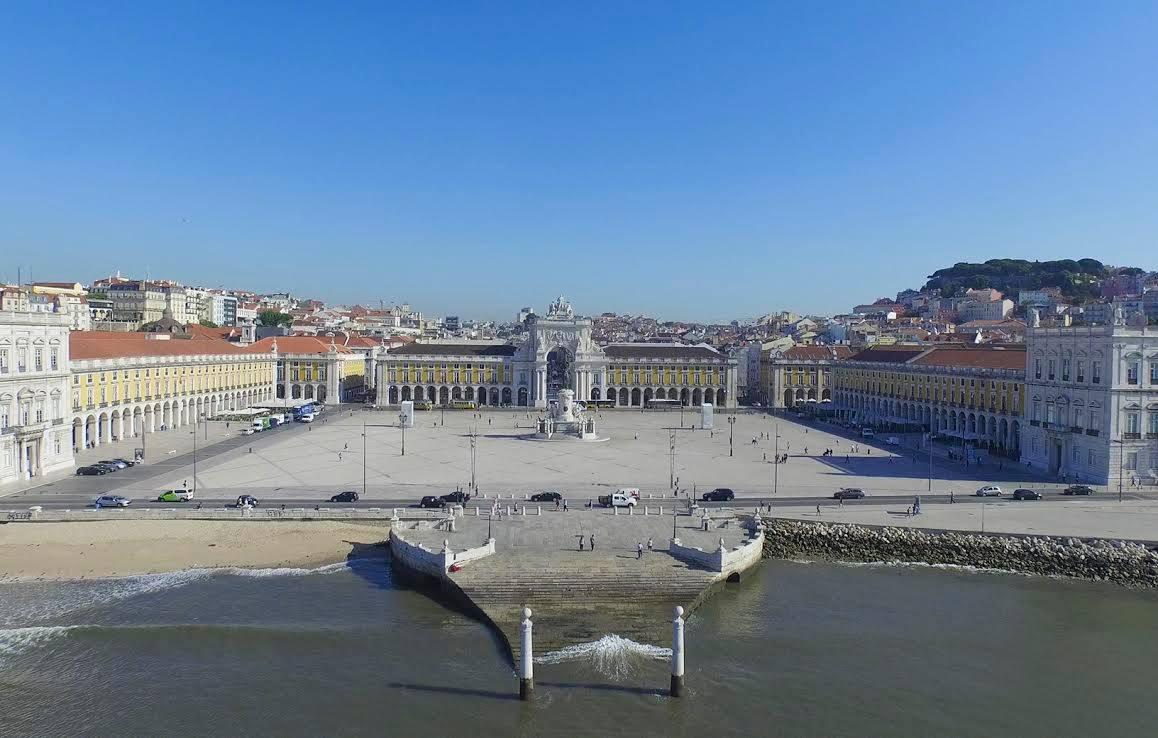 Lisboa / Cais das Colunas