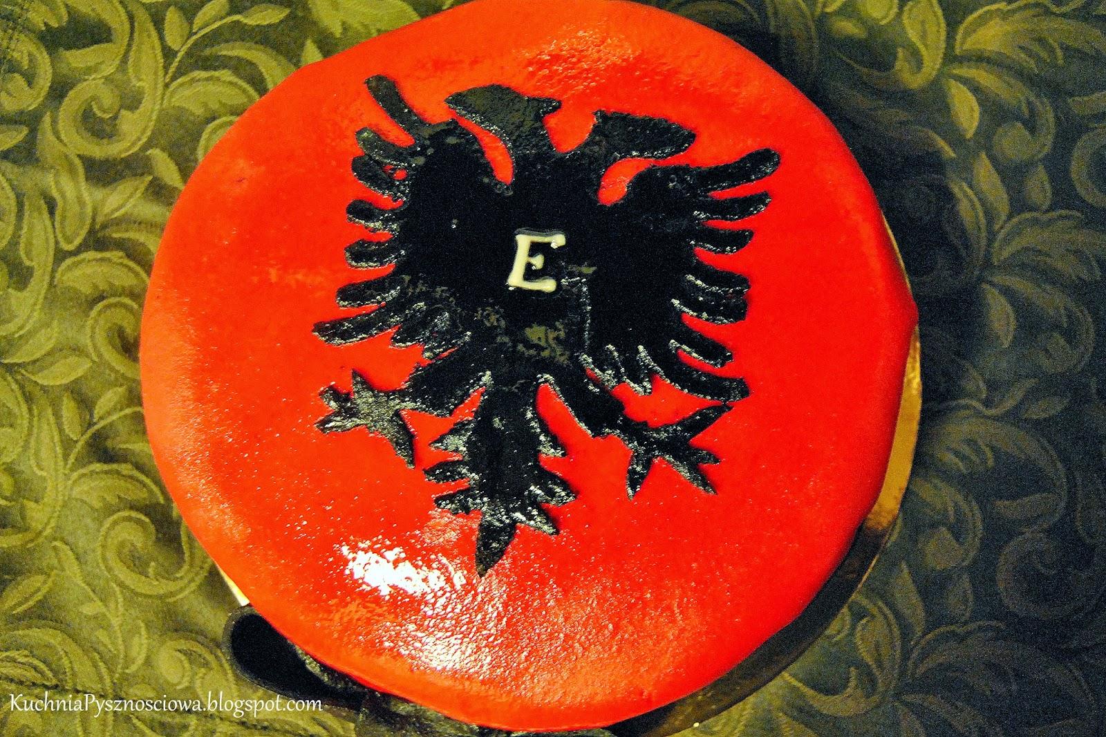 Tort z dwugłowym orłem dla Albańczyka