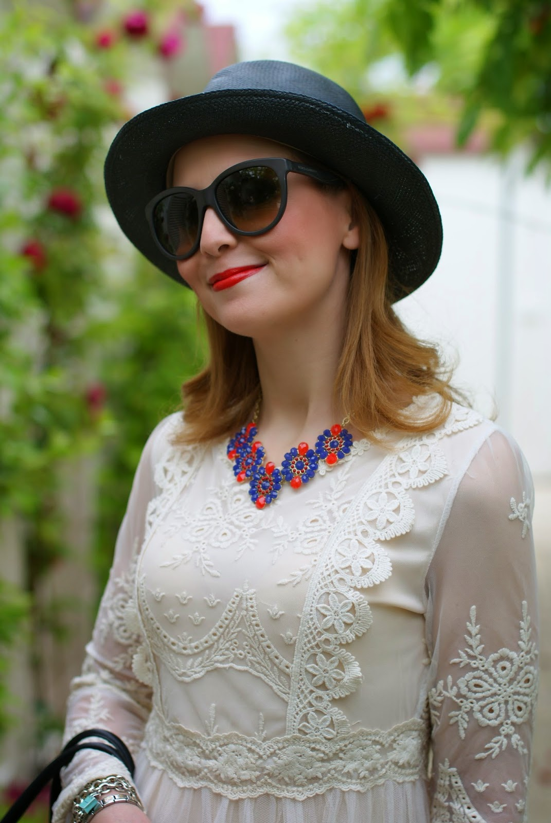 Chicwish cream lace dress, Majestical burst of color necklace, Fashion and Cookies, fashion blogger