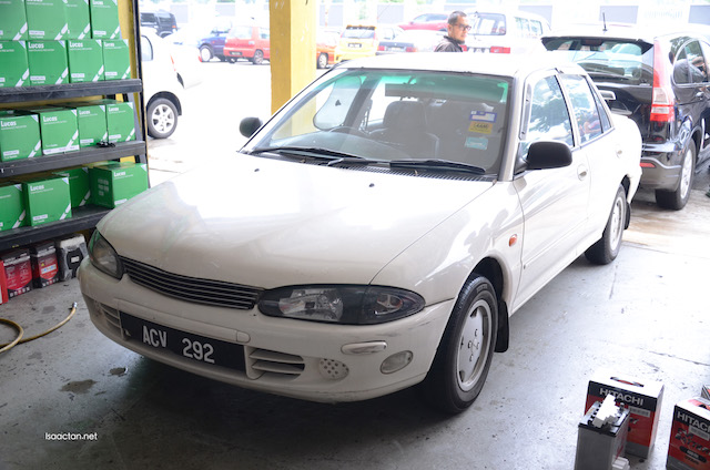 The poor wira, which battery died the moment we arrived at the workshop