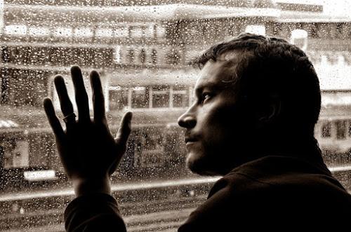 10 biểu hiện của đàn ông không mạnh mẽ, nhu nhược