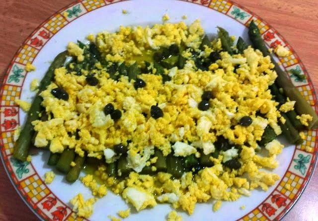 asparagi, uova e senape