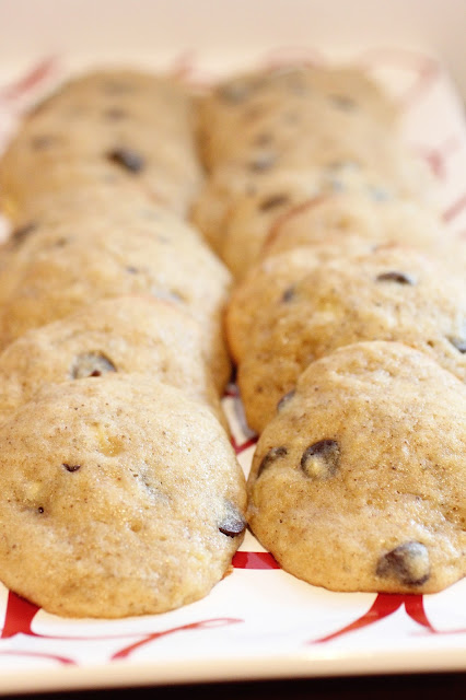 Banana Bread Chocolate Chip Cookies {Foodie Friday} | The ...