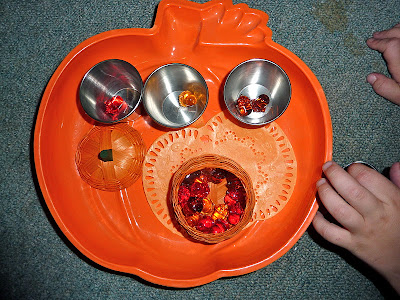 Halloween-Montessori-Trays