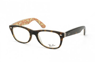 rame Ray-Ban New Wayfarer havana on beige
