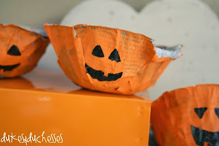 Reciclatex 10 Cuenta atrás para Halloween 2013, dulceros de periódico