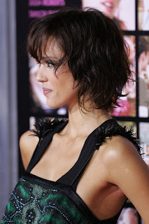 Jessica Alba Bob Haircut with Wavy Layers