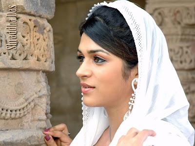 Shraddha Das sexy picture