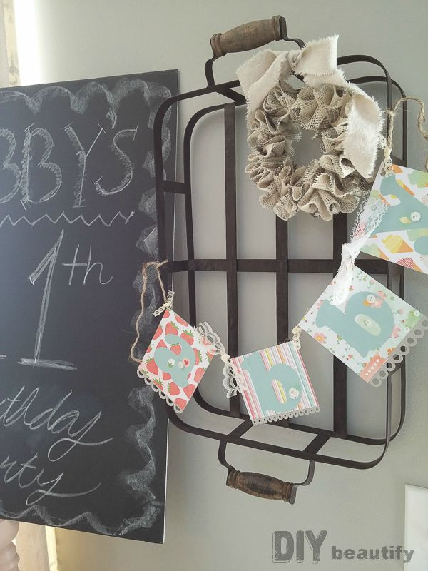 Banner and chalkboard birthday party idea for tween girl | DIY beautify