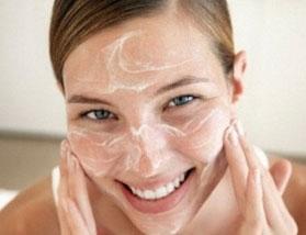 esfoliante natural, para um rosto aveludado, com toque de seda.
