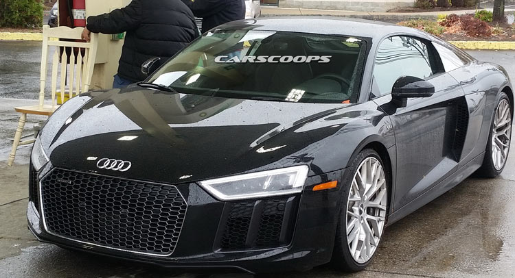 2017 Audi R8 V10 Looking Fabulous At New Jersey Gas Station