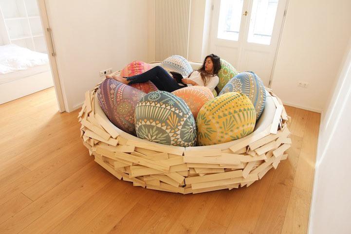 Lúdico diseño de muebles parece un gigante y cómodo nido de pájaros
