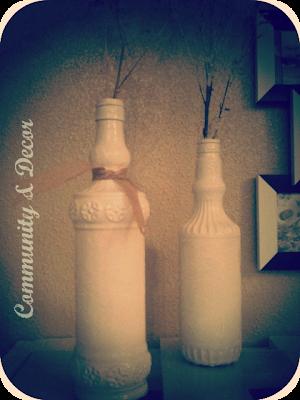 Floreros con botellas antiguas de vidrio pintadas