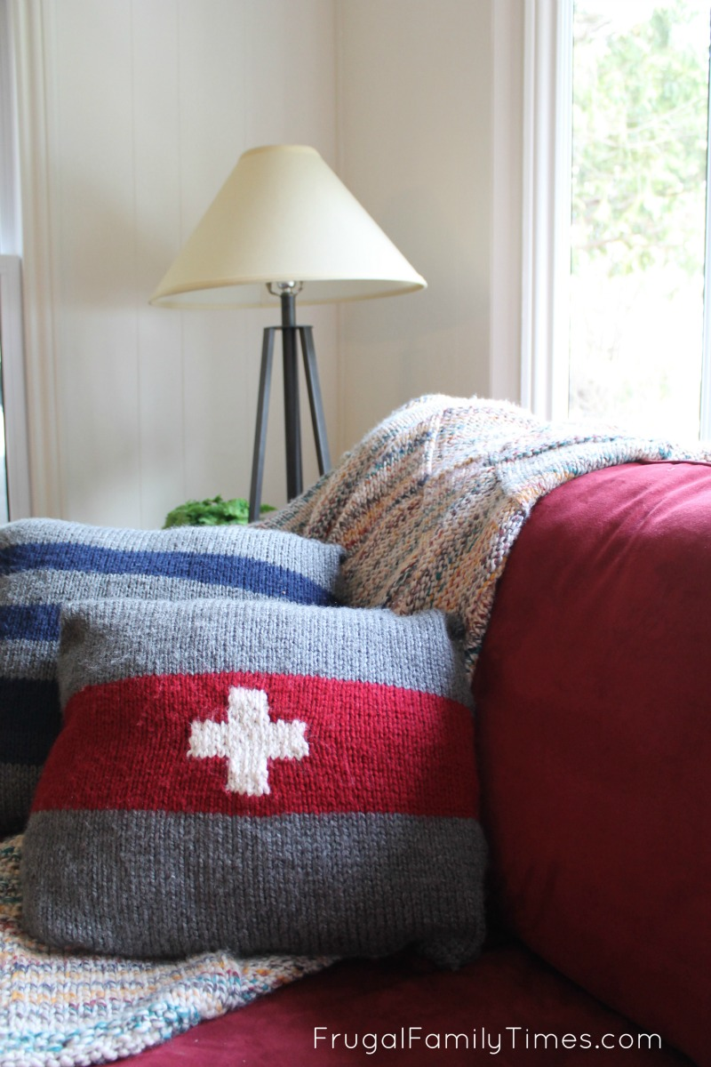 Vintage camp blanket inspired pillows 3 simple knitting patterns 3 swiss army camp blanket pillow pattern bankloansurffo Image collections