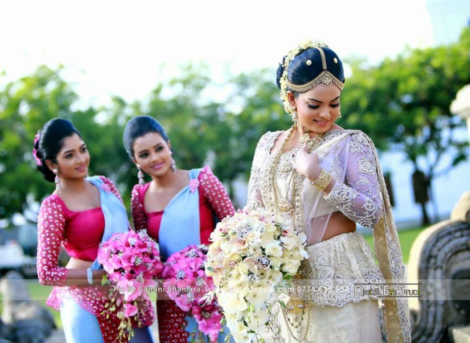 Prathibha hettiarachchi wedding sri lankan wedding photo for Sri lankan wedding dress