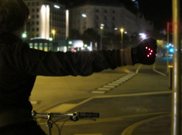 Luvas luminosas para ciclistas