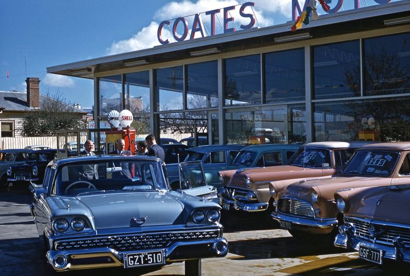50 Beautiful Color Photos Of American Cars On The Streets