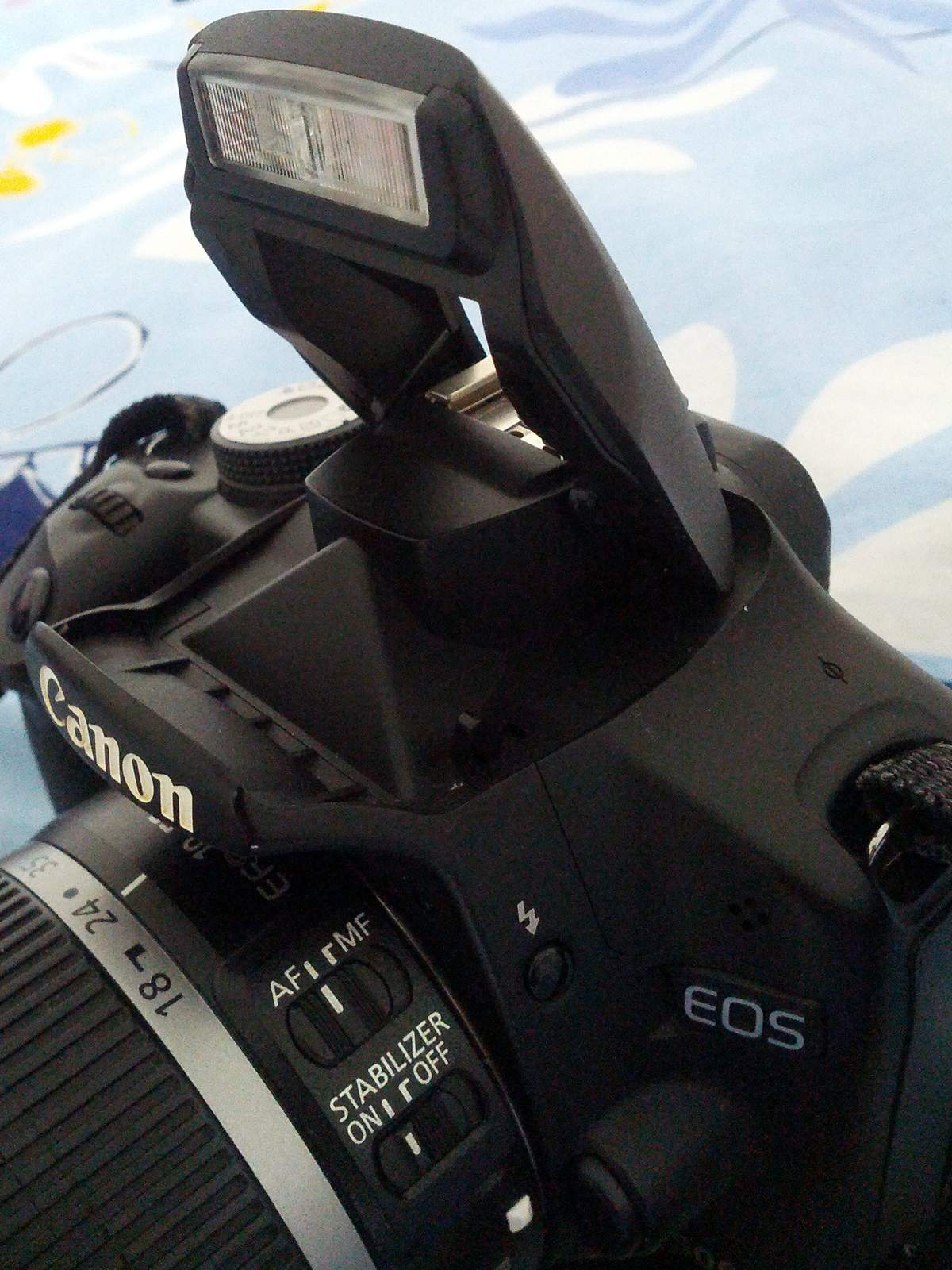 How to fix the popup flash on your camera (Canon DSLR) - Tutorial Geek