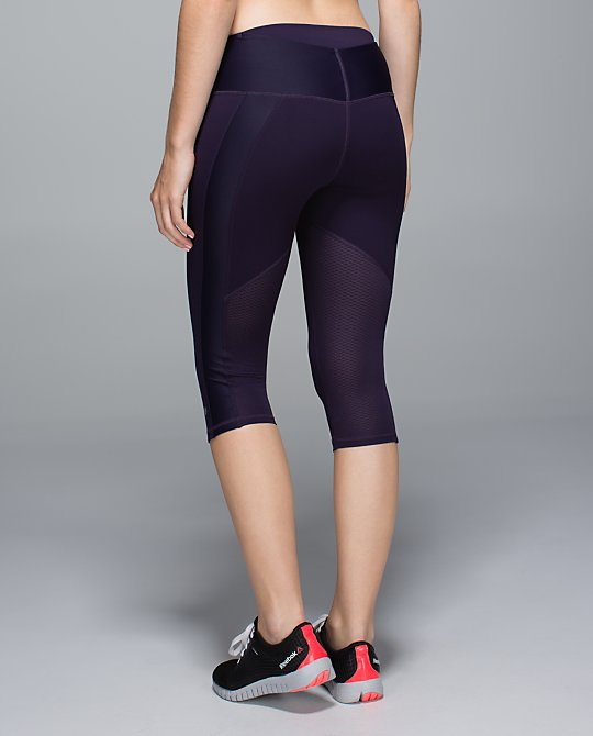 lululemon clip in crops