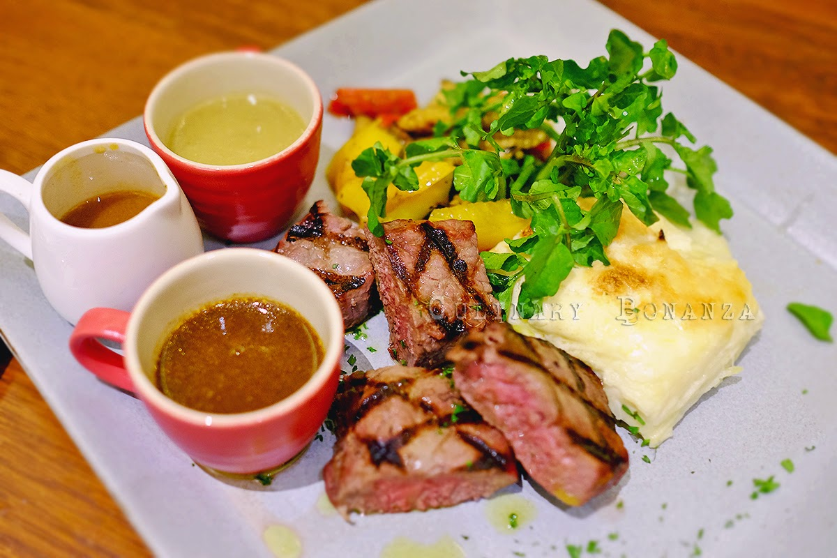 Black Angus Sirloin Beef with a choice of porcini sauce / pepper sauce or wasabi pepper sauce