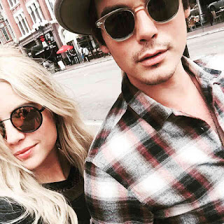 Ashley Benson and Tyler Blackburn Comic-Con