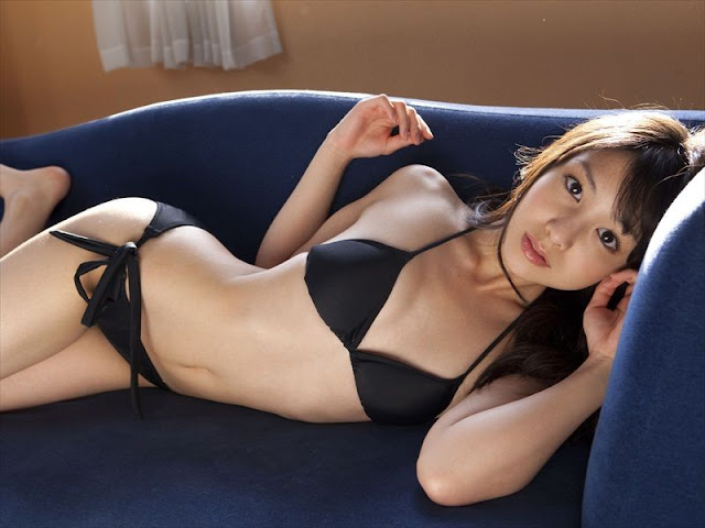 Gravure Idol Yui Koike