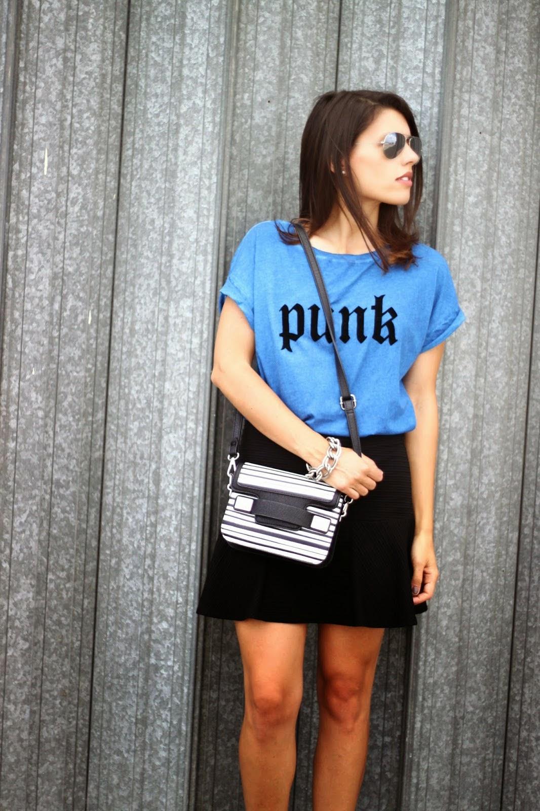 http://ilovefitametrica.blogspot.pt/2014/06/my-punk-t-shirt.html