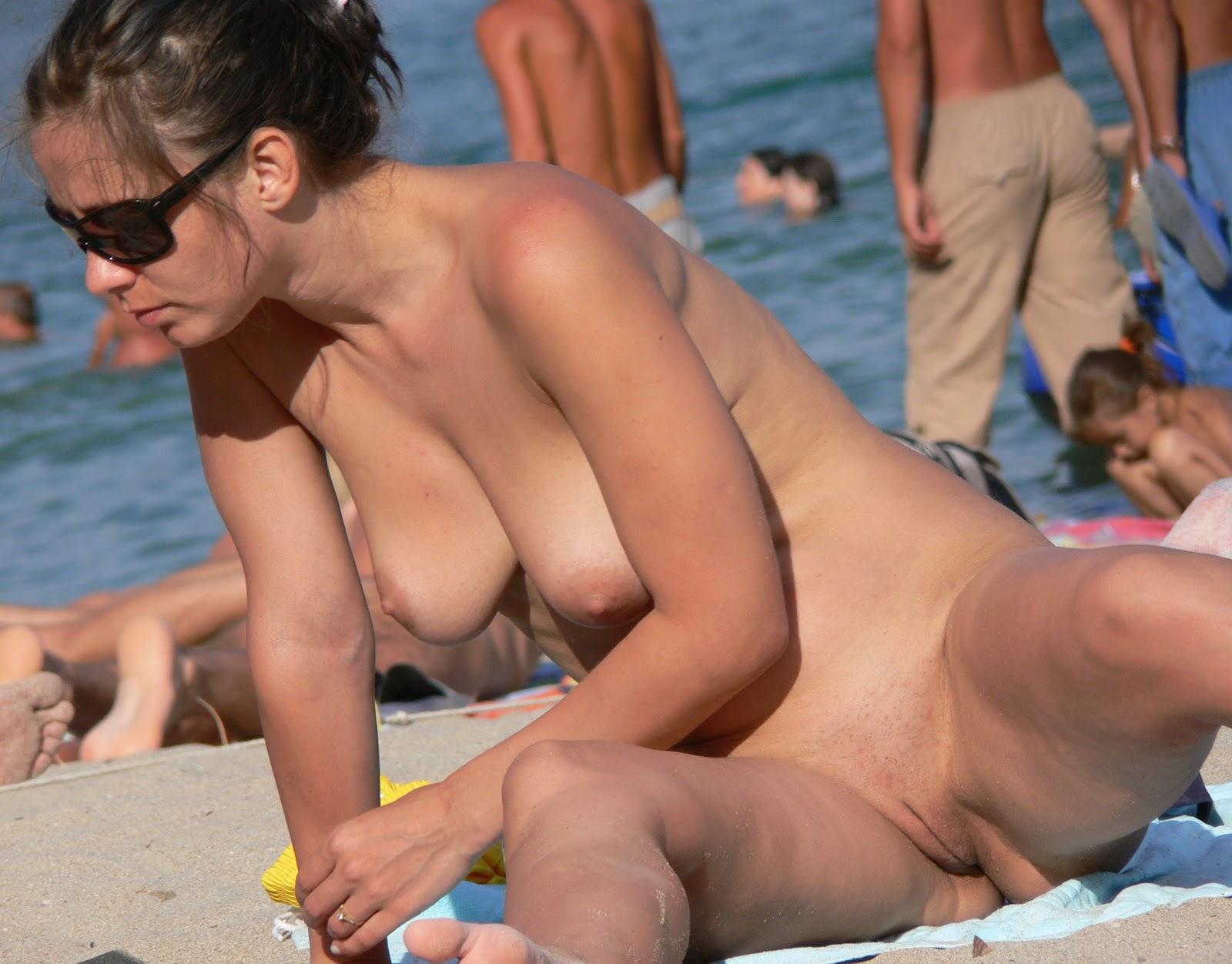 Candid Nude Beach Pussy Voyeur