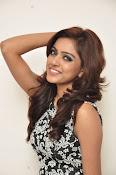 Vithika sheru latest glam pics-thumbnail-4