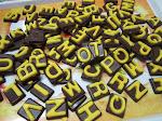Coklat Huruf A-Z