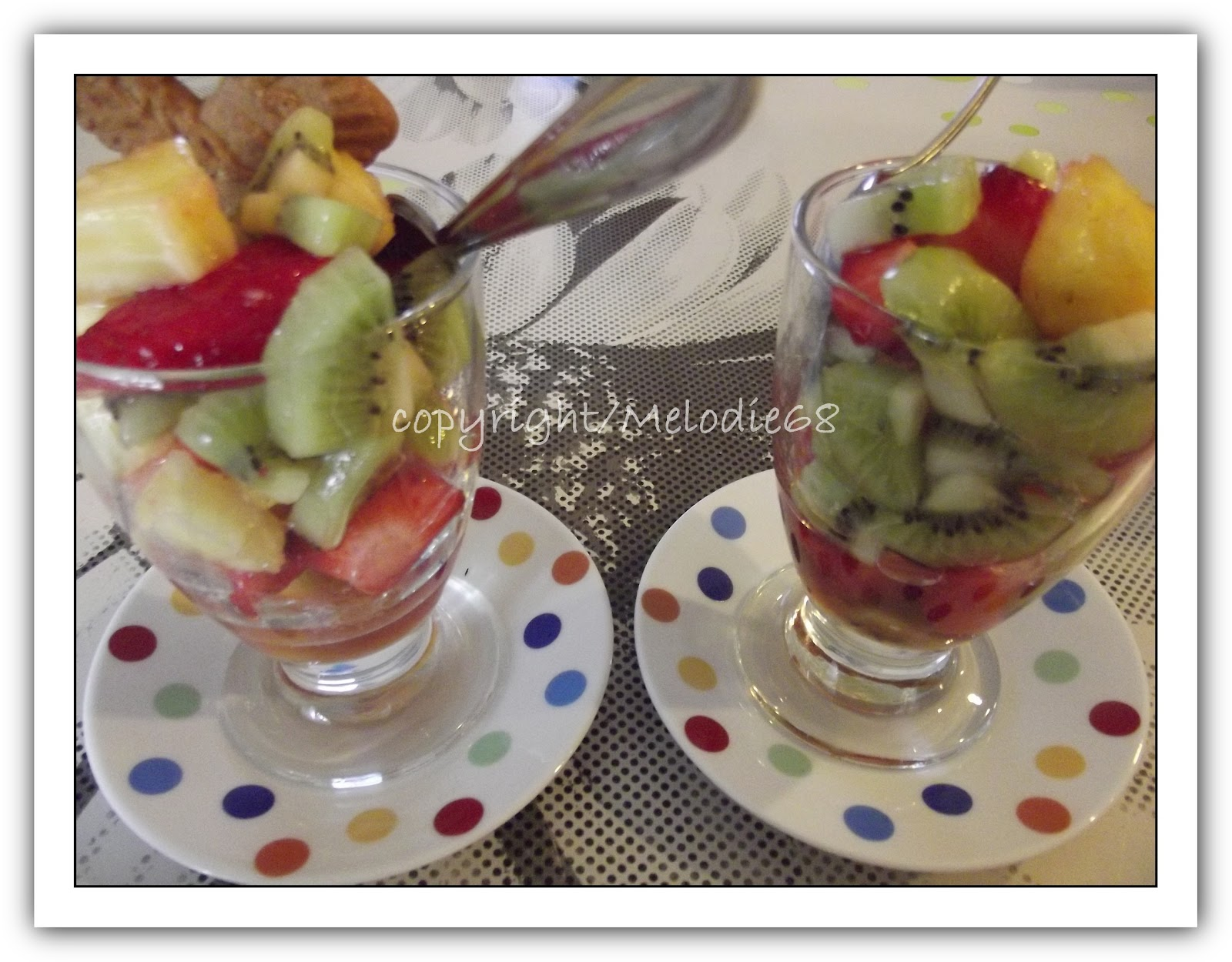 les gourmandises de melodie68 dessert du jour coupe arlequin aux fruits frais. Black Bedroom Furniture Sets. Home Design Ideas