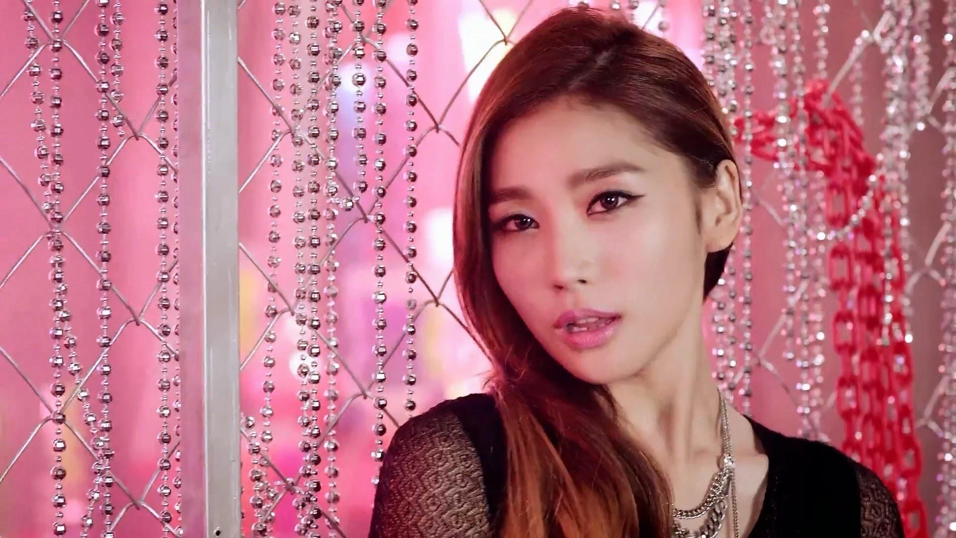 HelloVenus StickySticky Yooyoung