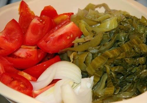 Cách nấu canh cải chua với cá cơm