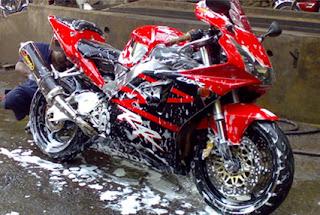 Cara Mencuci Sepeda Motor yang Baik dan Benar