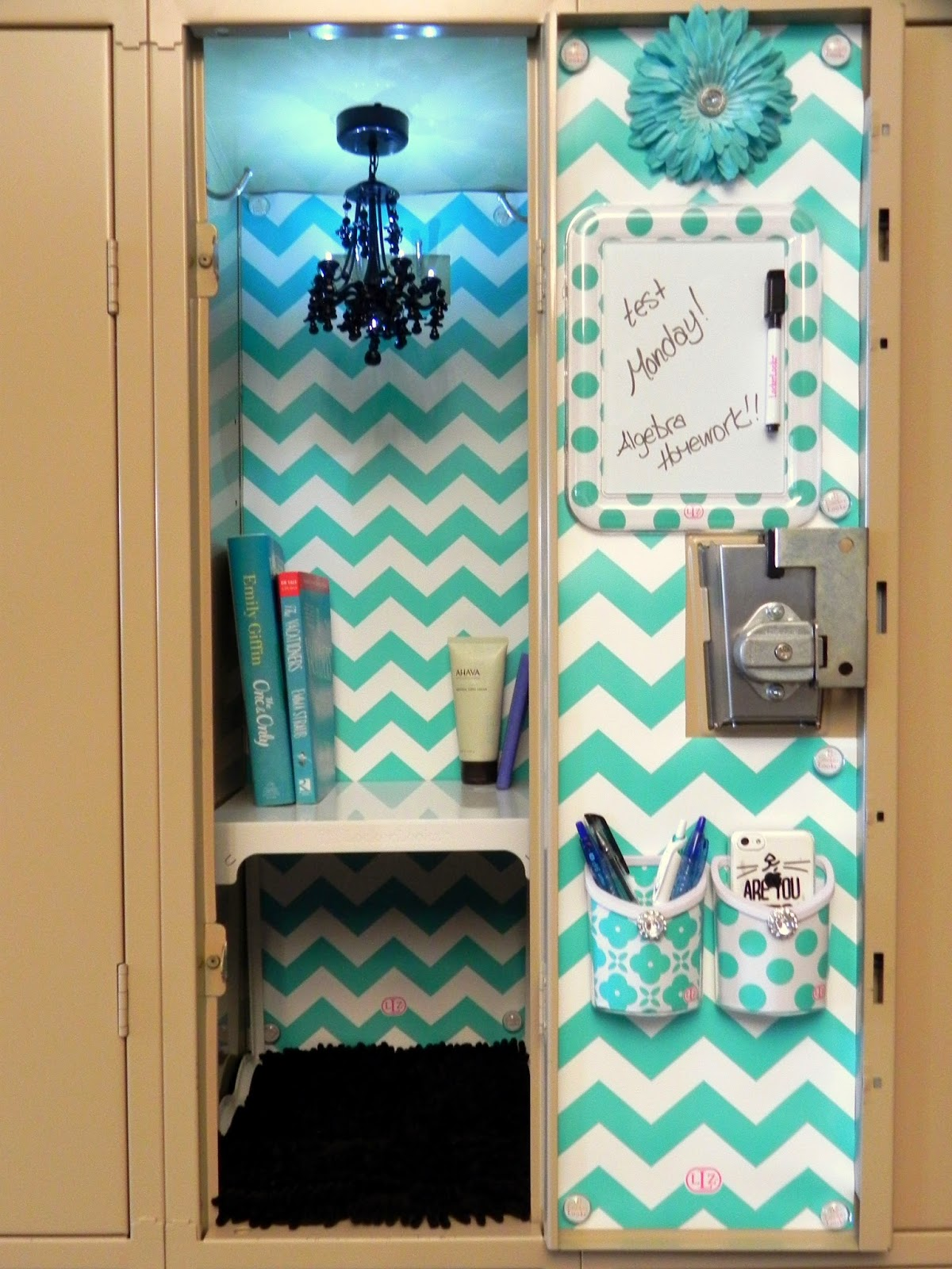 Smart n snazzy decorate your locker with llz by locker for Stuff to decorate room