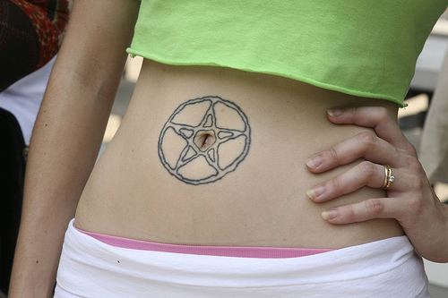 Belly button tattoos for girls love all people for Belly tattoos for female