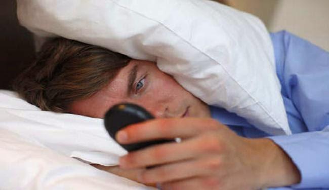 أضرار النوم بجوار الهاتف المحمول